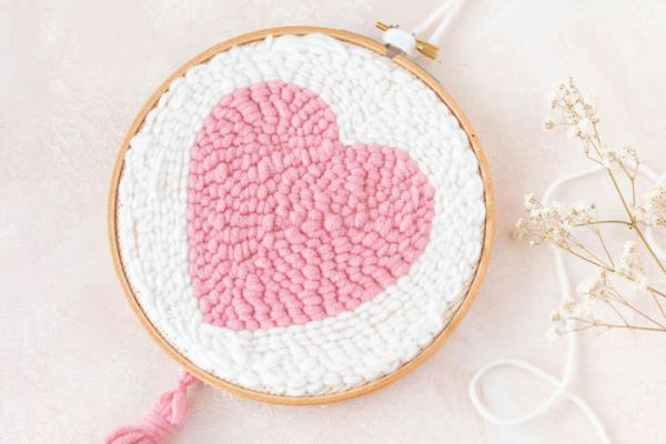 Vzor srdce pro vyšívání dutou jehlou